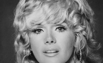 How tall is Connie Stevens Height Weight Body Measurements