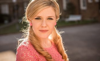 How tall is Harriet Dyer Height Weight Body Measurements