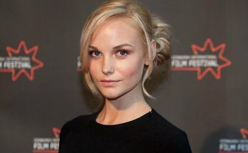 How tall is Joanna Vanderham Height Weight Body Measurements