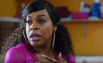 How tall is Niecy Nash Height Weight Body Measurements