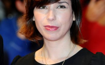 How tall is Sally Hawkins Height Weight Body Measurements