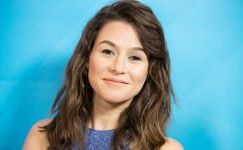 How tall is Yael Stone Height Weight Body Measurements