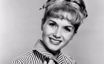 How Tall is Debbie Reynolds Height Weight Body Measurements