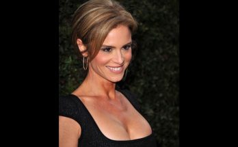 How Tall is Betsy Russell Height Weight Body Measurements