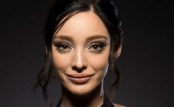 How Tall is Emma Dumont Height Weight Body Measurements