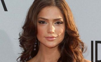 How Tall is Janet Montgomery Height Weight Body Measurements