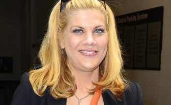 How Tall is Kristen Johnston Height Weight Body Measurements