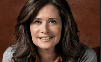 How Tall is Lorraine Bracco Height Weight Body Measurements