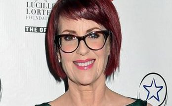 How Tall is Megan Mullally Height Weight Body Measurements