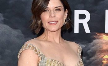 How Tall is Neve Campbell Height Weight Body Measurements