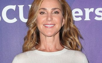 How Tall is Peri Gilpin Height Weight Body Measurements