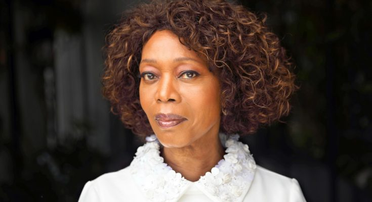 Alfre Woodard How Tall Height Weight Body Measurements