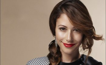 Amanda Crew How Tall Height Weight Body Measurements