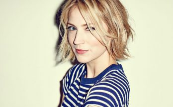 Beth Riesgraf How Tall Height Weight Body Measurements