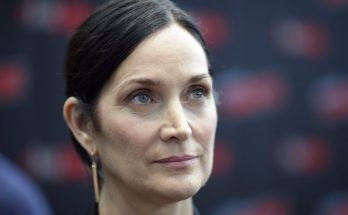 Carrie-Anne Moss How Tall Height Weight Body Measurements
