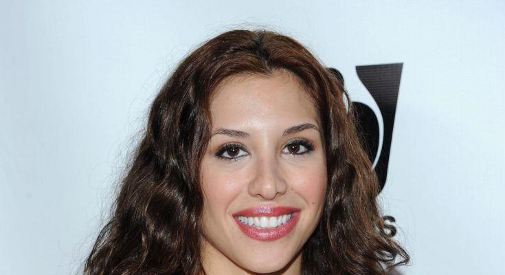 Diana Falzone How Tall Height Weight Body Measurements