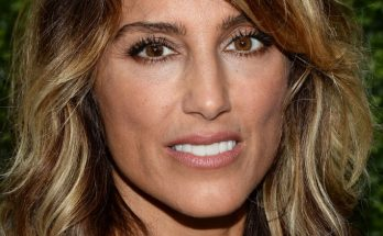 Jennifer Esposito How Tall Height Weight Body Measurements