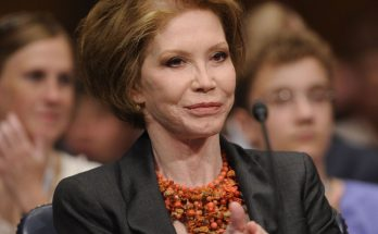 Mary Tyler Moore How Tall Height Weight Body Measurements