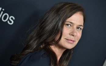 Maura Tierney How Tall Height Weight Body Measurements