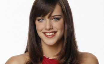 Michelle Ryan How Tall Height Weight Body Measurements