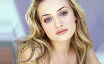 Monica Keena How Tall Height Weight Body Measurements