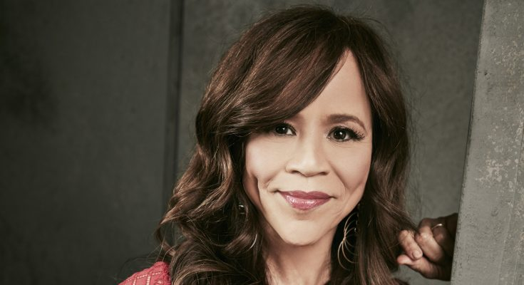 Rosie Perez How Tall Height Weight Body Measurements