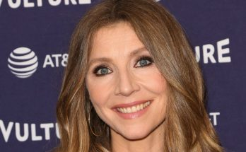 Sarah Chalke How Tall Height Weight Body Measurements