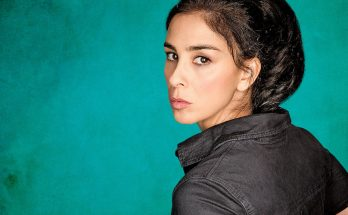 Sarah Silverman How Tall Height Weight Body Measurements